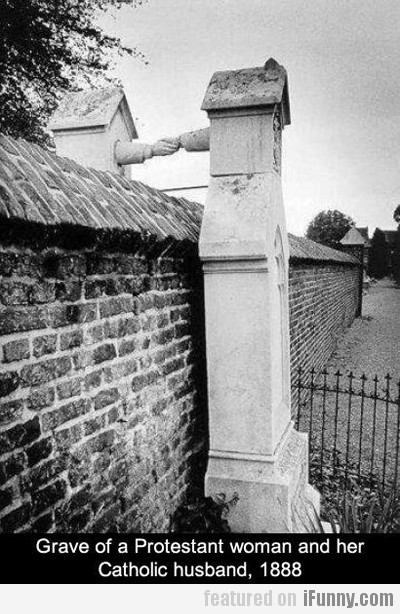 Grave Of A Protestant/catholic Couple