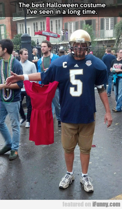 the best halloween costume I've seen in a long...