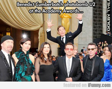 Benedict Cumberbatch Photobomb...