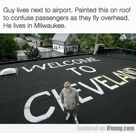 painted this on roof to confuse passengers