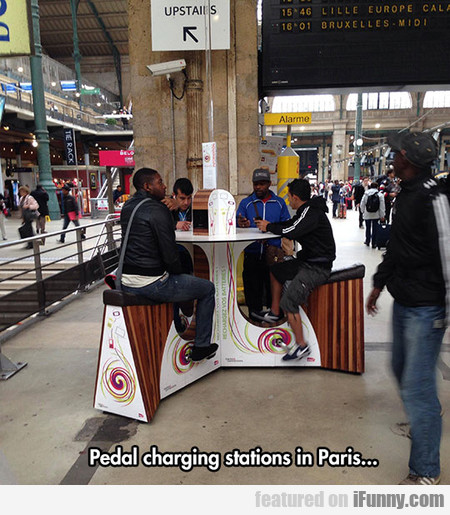 pedal charging stations in Paris