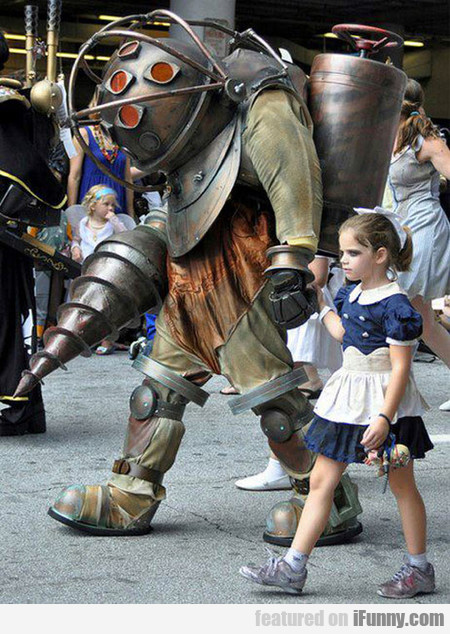 Bioshock Cosplay Win